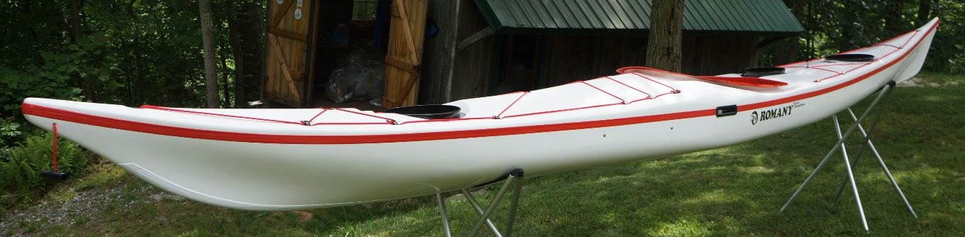 White / Red / White.  Wire Skeg.  Extras – White Keel Strip.  Standard Lay Up.